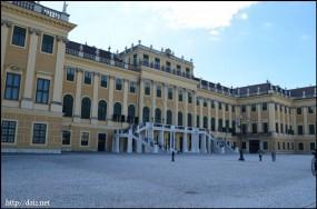 Schloß Schönbrunns 正門側