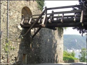 ラインフェルス城(Schloss Rheinfels)