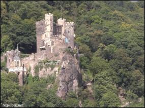 Burg Rheinstein(ラインシュタイン城)