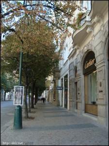 パリ通り(Pařížská)