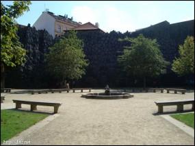 ヴァレンシュタイン庭園(Valdštejnská zahrada )