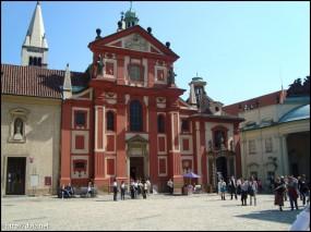 聖イジー教会(Bazilika svatého Jiří)
