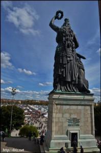 Bavaria(女神バヴァリアの像)