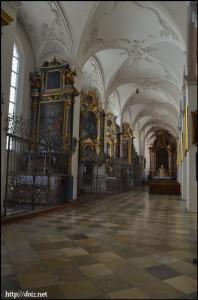 ペーター教会内部