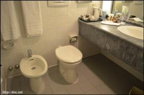 トイレとウォシュレット?