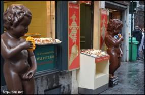 Manneken Pisそばのワッフル屋さん