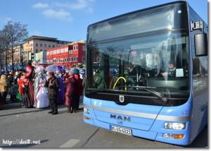 バス(カーニバルの時)