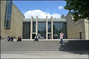 Neue Pinakothek入り口