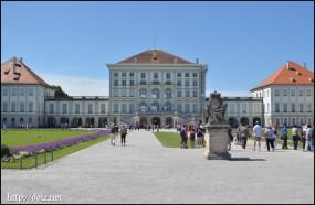 ニンフェンブルク城(東側)