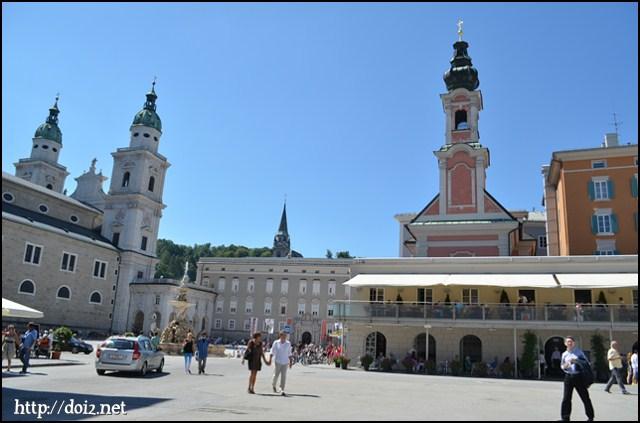 Mozartplatz(モーツァルト広場)