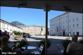 Mozartplatzのカフェ