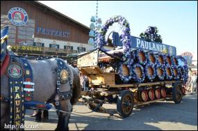 オクトーバーフェストの馬車