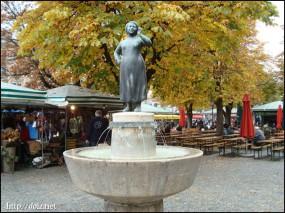 Liesl Karlstadtの噴水(ヴィクトゥアーリエンマルクト)