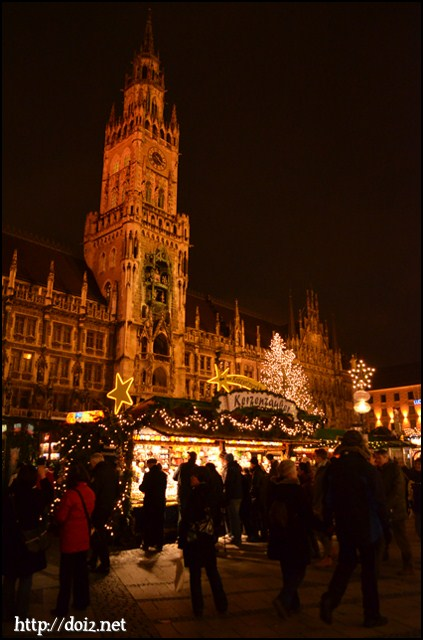 マリエン広場のクリスマスマーケット