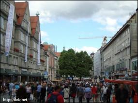 週末のNeuhauser Straße(ノイハウザー通り)