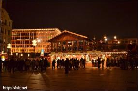 クリスマス時のKarlsplatz