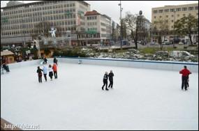 Münchner Eiszauber(カールスプラッツのスケートリンク)