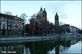 11月末、Sankt Lukas Kirche