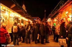 11月末、マリエン広場のクリスマスマーケット