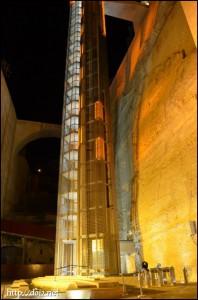 アッパーバラッカガーデンのエレベーター