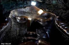 ババリア像内側、顔の部分